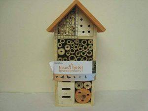 Joli petit hôtel pour insectes - couleurs assorties - prix par pièce - hauteur environ 26 cm de la marque Madabout Pottery And Giftware image 0 produit