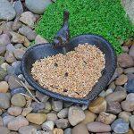 Mangeoire à Oiseaux Coeur en Fonte Bronze Antique de la marque Gardens2you image 1 produit