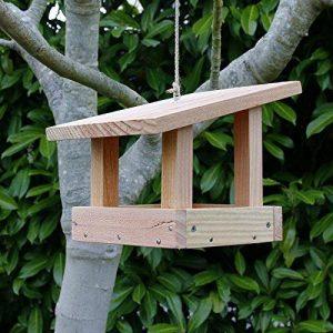 Mangeoire plateau le refuge, mangeoires pour oiseaux en bois massif, fabrication artisanale de la marque Nichoirs-Mangeoires image 0 produit